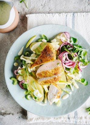 Salade de pommes de terre, poulet et pommes Granny-smith