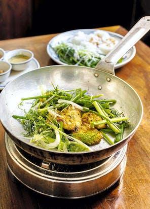 Cha Ca, poisson grillé et nouilles de riz