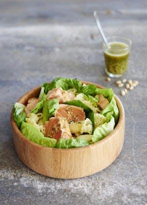 Salade de saumon mi-cuit au pesto de menthe