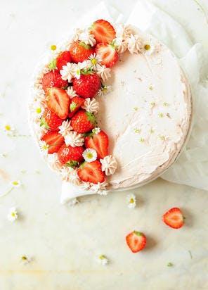 Layer cake au chocolat, mascarpone et fraises