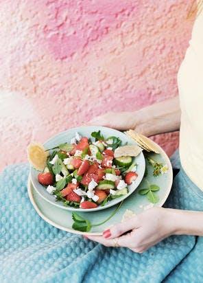 Salade de pastèque, fraises, concombre et feta