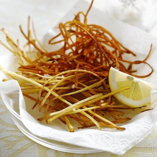 Frites de panais et de pates douces râpées