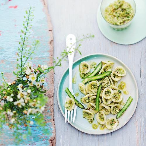 Orechiette au pesto d'asperges vertes et amandes