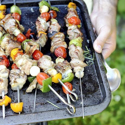 Brochettes porc et légume au barbecue