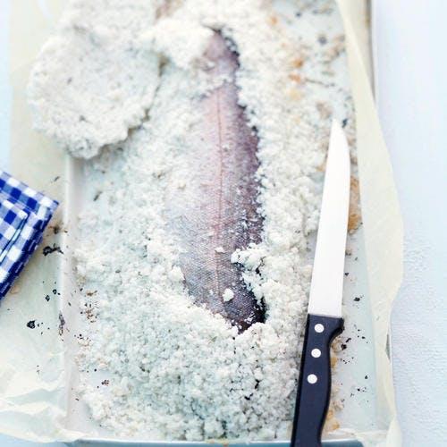 Truite en croûte de sel