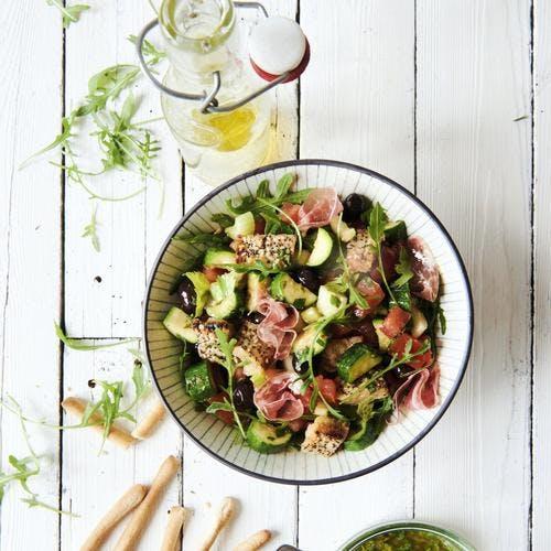 Salade italienne type panzanella