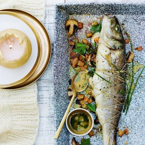 Rôtis de bar farcis aux fruits de mer