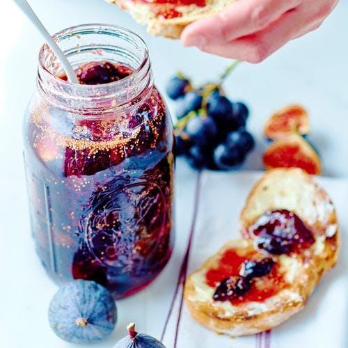Confiture de figues et raisins noirs