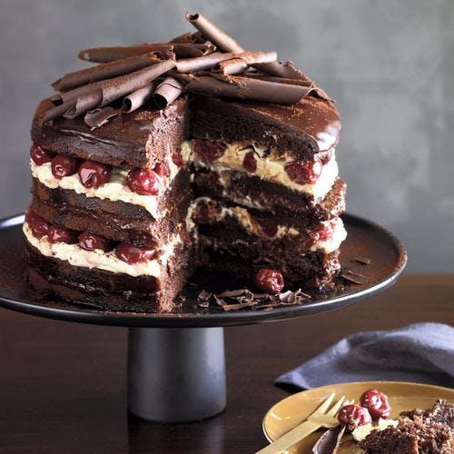 Forêt noire, gâteau au chocolat et cerises au kirsch