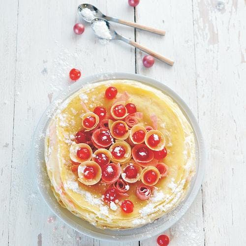 Gâteau de crêpes aux cerises confites
