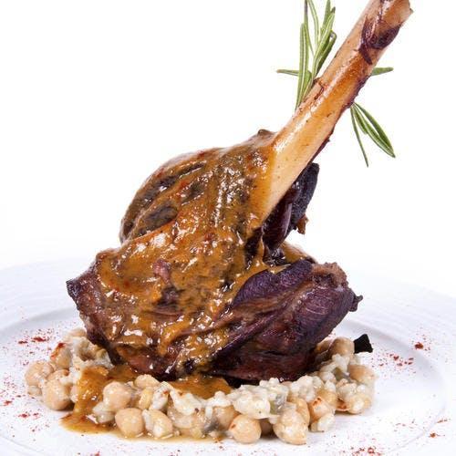 Gigot d'agneau rôti aux haricots tarbais