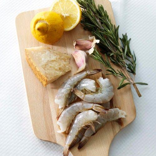 Risotto au citron, crevettes et romarin