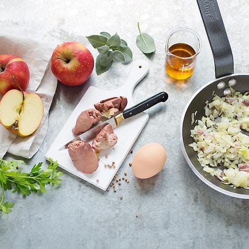 Farce foies de volaille, pommes et sauge