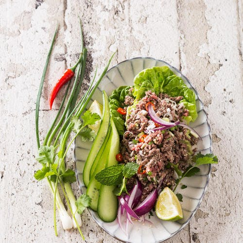 Salade laab au boeuf