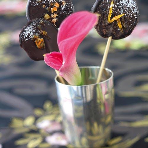 Sucettes au chocolat et au cédrat confit