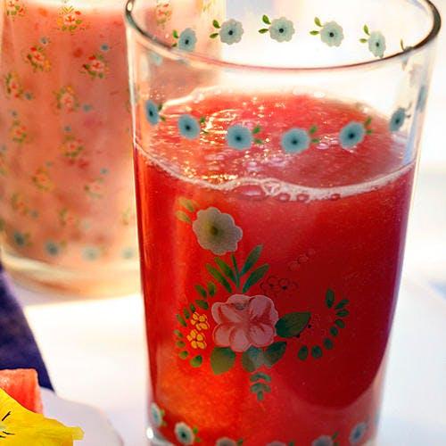 Jus de pastèque à la rose