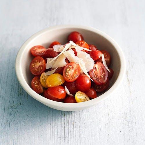 Tomates cerise au parmesan vieux