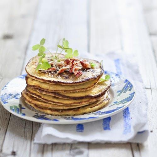 Pancakes de pommes de terre et crabe
