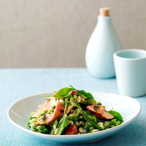 Salade de pâtes riso au saumon et au basilic
