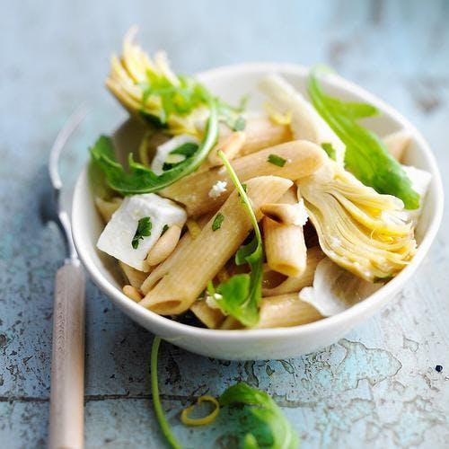 Salade de penne aux artichauts et à la féta