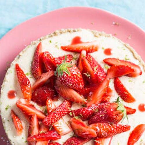 Tarte crue au chocolat blanc et fraises