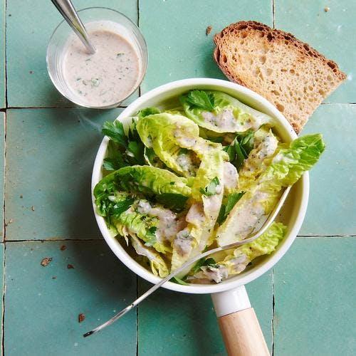 Salade de sucrines et sa vinaigrette à l'anchois
