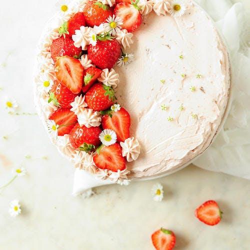 Layer cake au chocolat, mascarpone & fraises