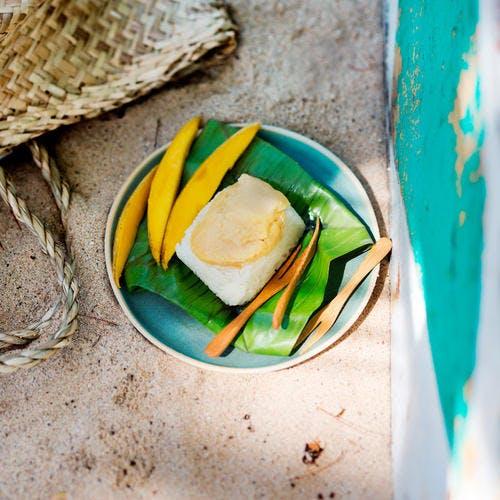 Riz gluant à la crème d'oeuf et mangue