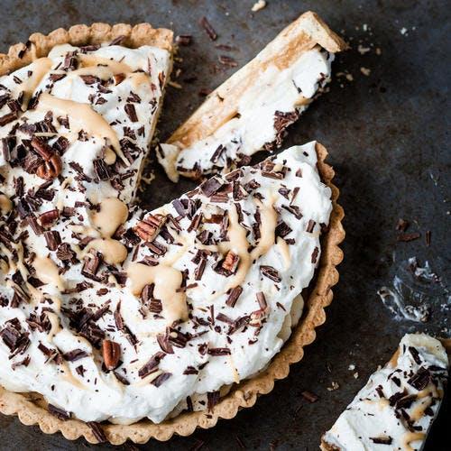 Banoffee pie (tarte à la banane, crème et caramel)