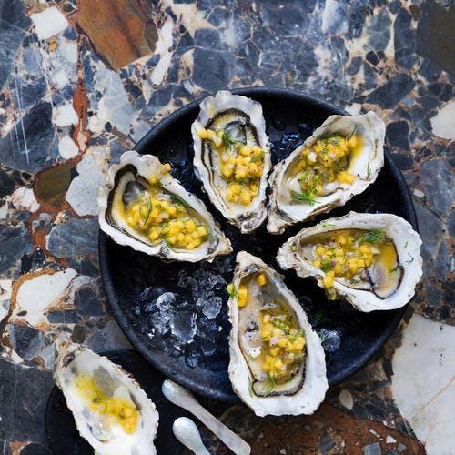 Huîtres et sauce vierge exotique
