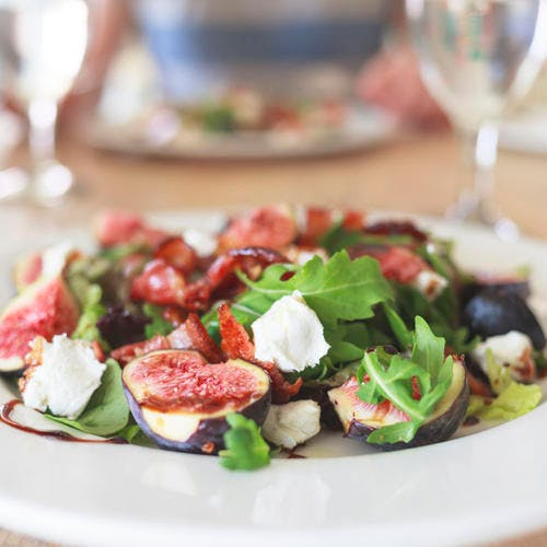 Salade au jambon, à la ricotta et aux figues