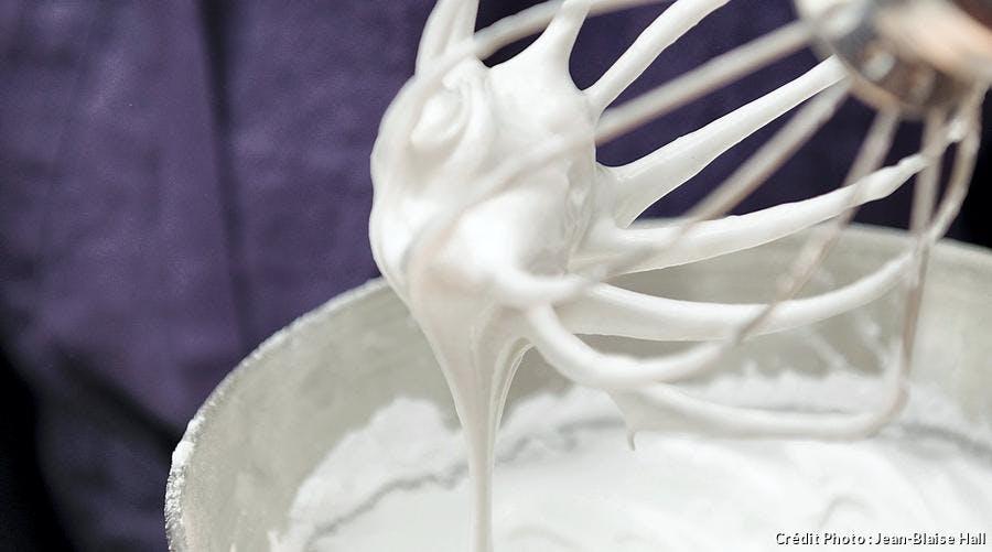 R64-defi-chef-michel-chabran-paris-meringue-dessert_jbh.jpg
