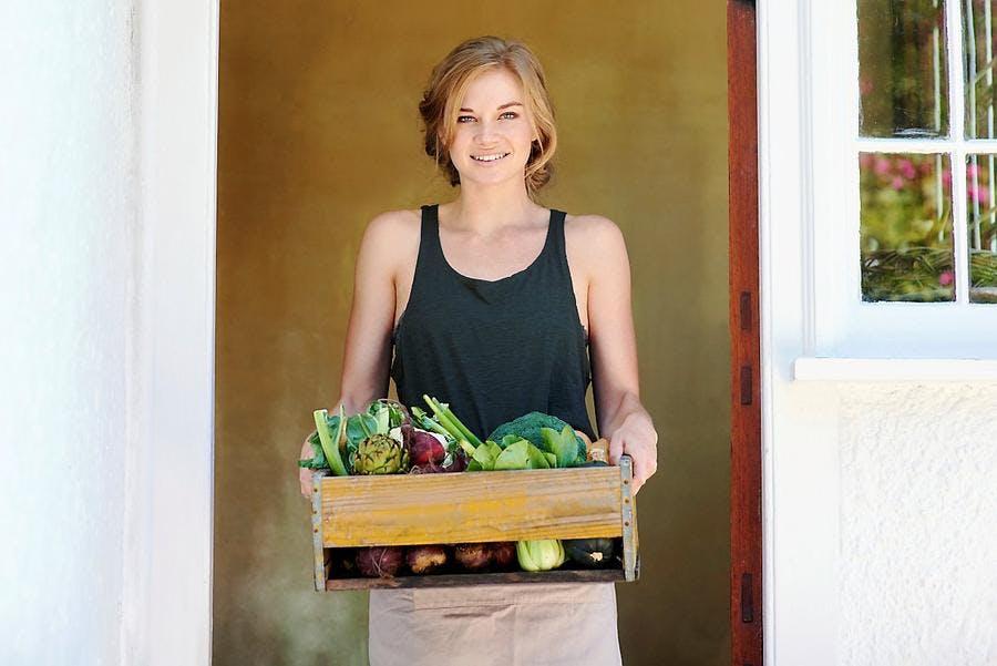 illust_femme-legumes-box-vert-saine_is.jpg