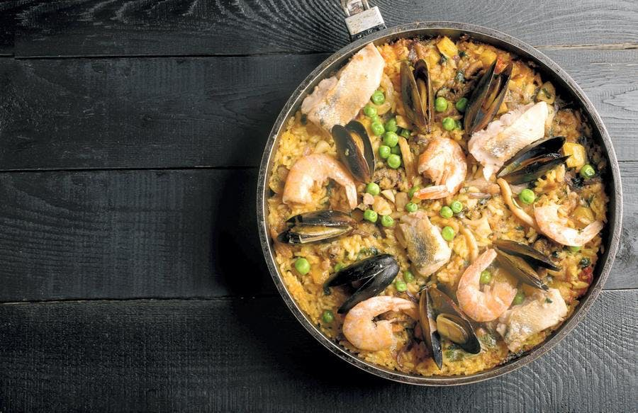 paella-riz-moule-crevette-poulet_istock.jpg