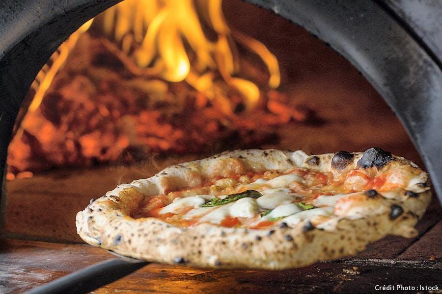 Pizza napolitaine au four