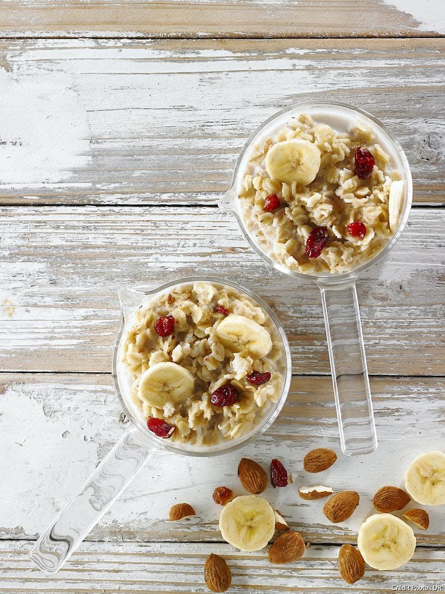 hs13_porridge-flocons-avoine-amandes-bananes-cranberries_ss.jpg