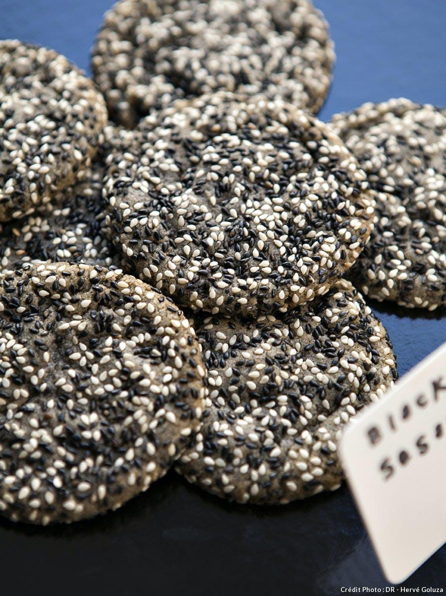 jean-hwang-carrant-cookies-sesame_dr.jpg