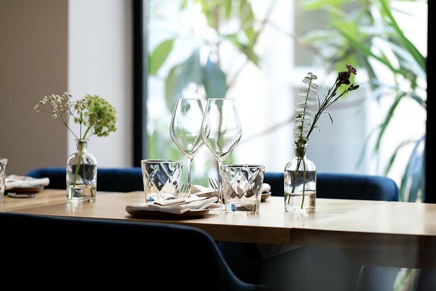 Amandine Chaignot a travaillé dans les cuisines des plus beaux palaces avant d'ouvrir, fin octobre 2019 à Paris, son restaurant Pouliche.