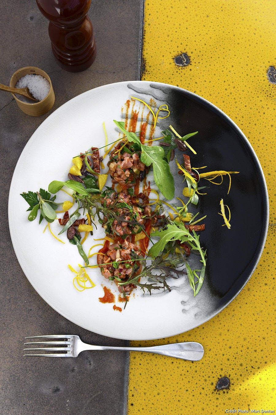 r58_tartare-taureau-gardianne-olives-noires-agrumes_md.jpg