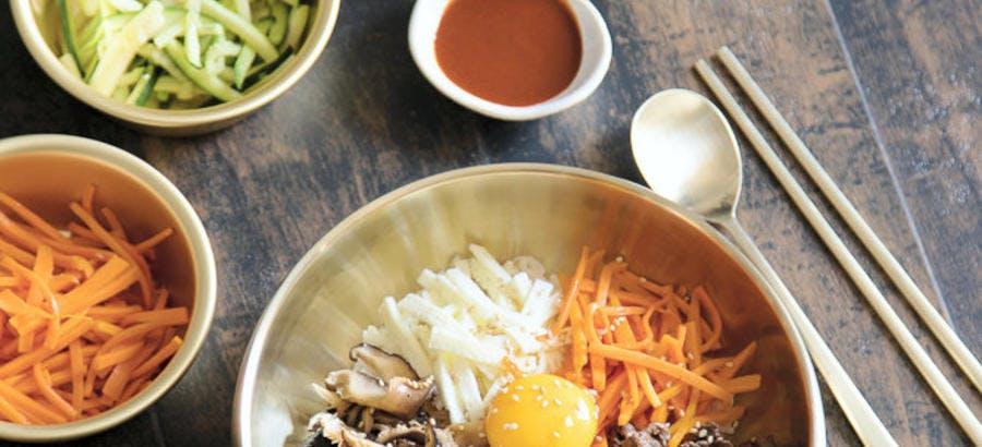 Bibimbap (bol de riz et légumes, recette coréenne)