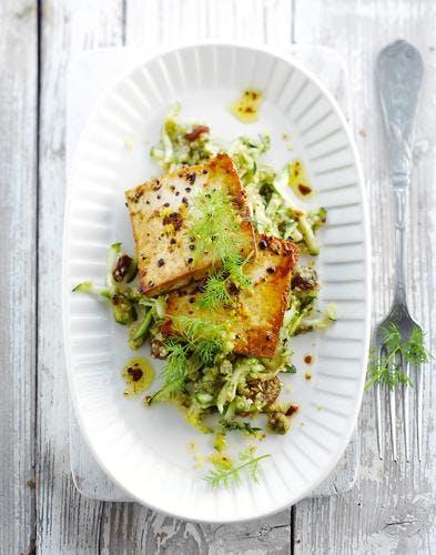 Tofu grillé aux courgettes crues et quinoa