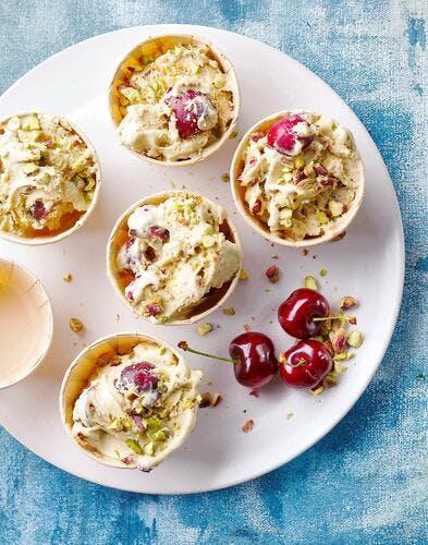 Crème glacée façon clafoutis cerises - pistaches
