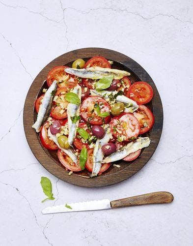Salade de tomates marinées aux olives