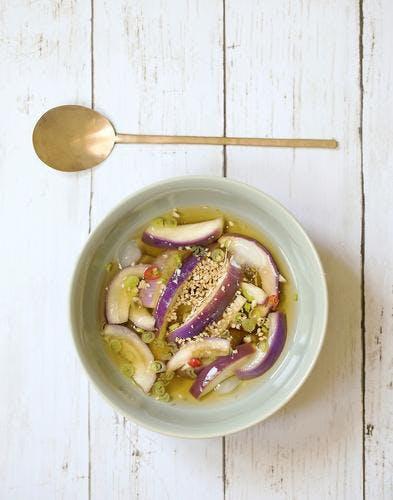 Soupe coréenne glacée à l'aubergine (Gaji-Naengguk)
