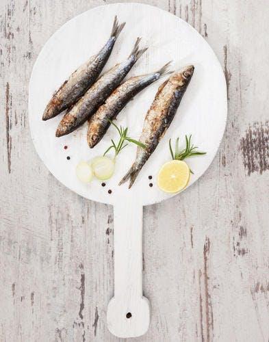 Beignets aux anchois et à la sauge