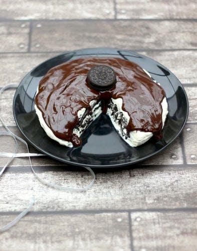 Gâteau sans cuisson Oreo® et crème fouettée