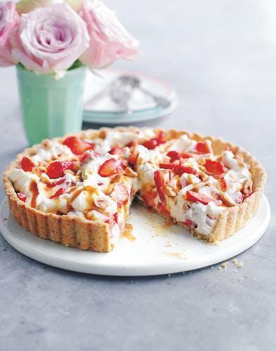 tarte mascarpone,  fraises et noisettes