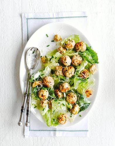 salade césar aux boulettes de volaille