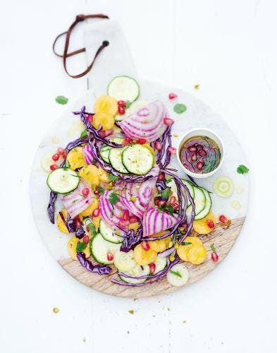 salade de betteraves, courgettes et carottes crues à la grenade