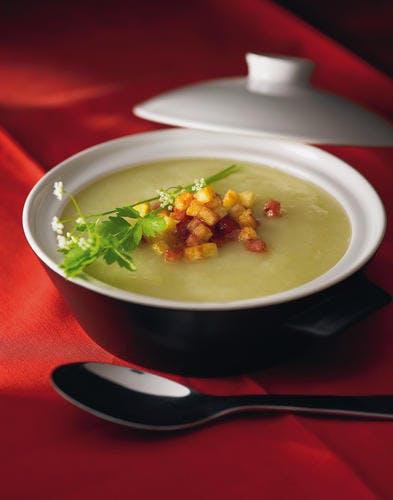 """Soupe de pommes de terre, petits """"croustillants"""""""